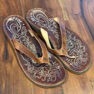 Olukai Leather Flip Flops Thong Sandals Shoes
